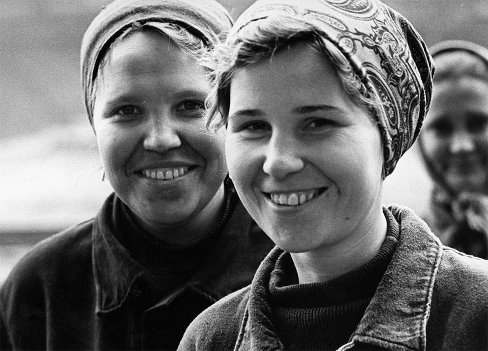 Zwei Frauen, Zeit, Ort und engerer Kontext unbekannt